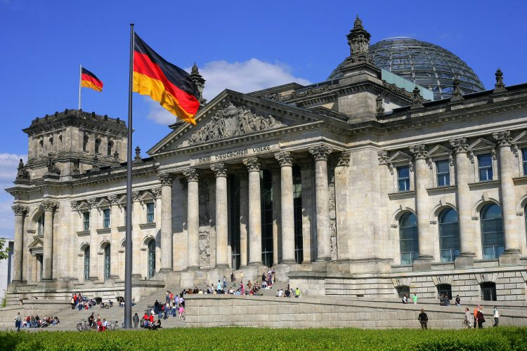 Euro influenced by German coalition